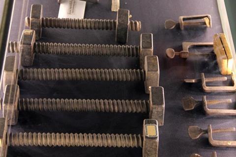 Stradivari s clamps